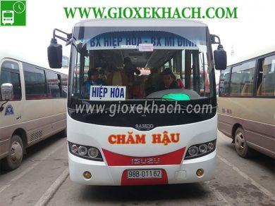 Xe-khach-tuyen-Hiep-Hoa-Bac-Giang-di-My-Dinh-nha-xe-Cham-Hau-390x293