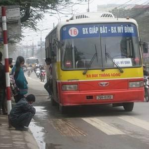 xe bus từ Bến xe Giáp Bát đến Làng Nhật Tảo