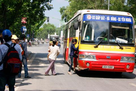 Lộ trình 5 tuyến xe bus từ Bến xe Giáp Bát đến Học viện an ninh nhân dân