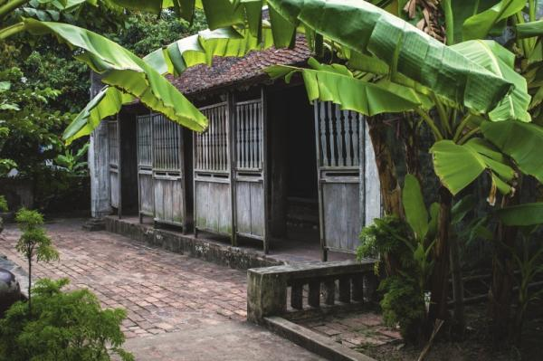 Nhà Bá Kiến